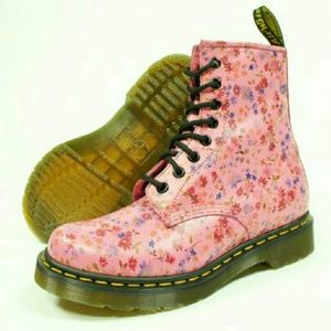 Doc Martens Pink Floral 1460W Womens Boots size 7